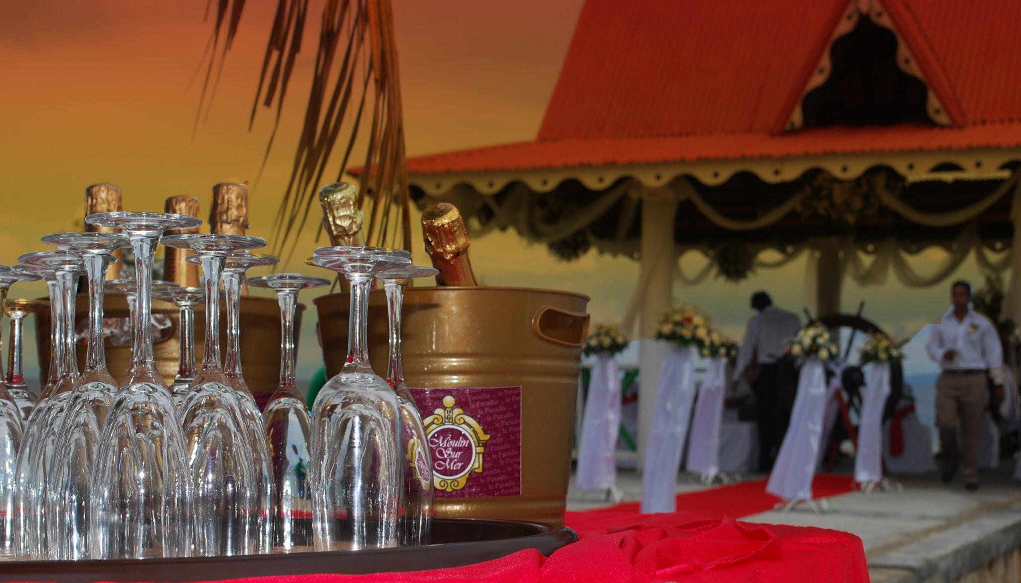 Wedding Champagne on Pagoda